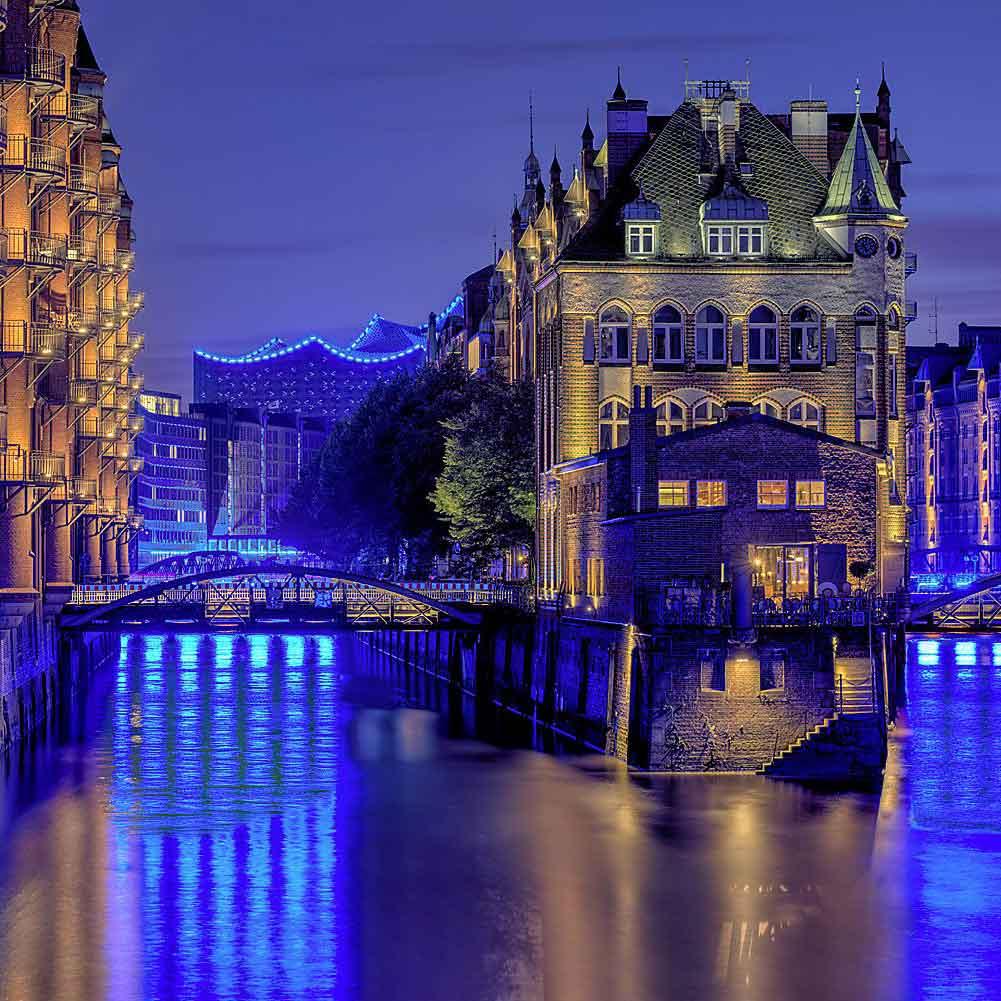 Speicherstadt_und_Elbphilharmonie_Blue_Port_Lebowsky_080915